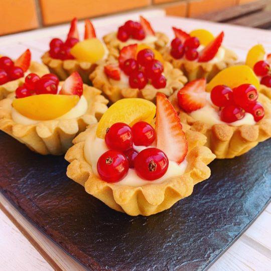 Тарталетки ванильные с ягодами